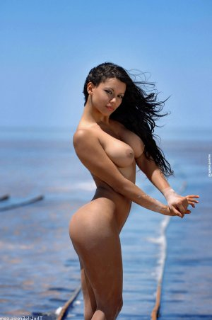 Isola pierced escorts classified ads Oregon